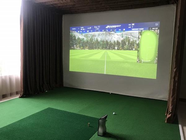 Kích thước phòng golf 3D khá nhỏ gọn với đầy đủ các thiết bị
