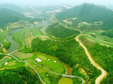 Sân golf Geleximco Hòa Bình vừa mới đi vào hoạt động từ năm 2019