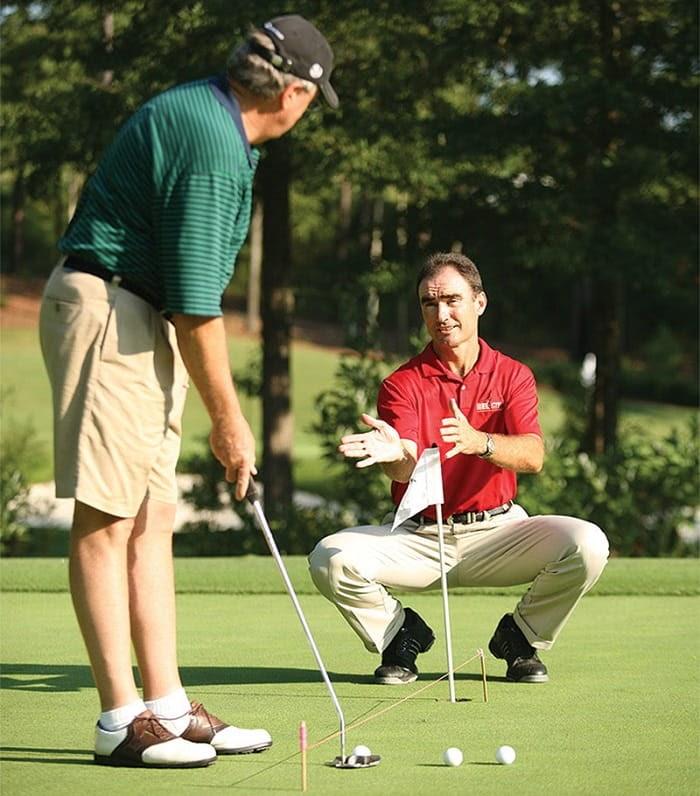 Cầm gậy golf - bài học chơi golf cơ bản vô cùng quan trọng