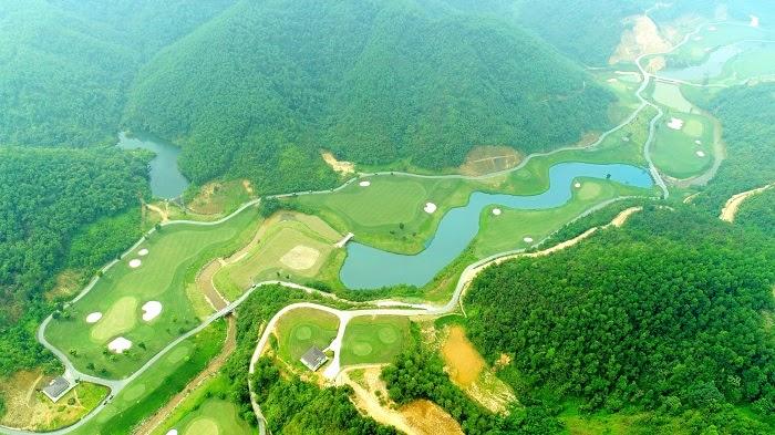 Toàn cảnh Hilltop Valley Golf Club nhìn từ trên cao