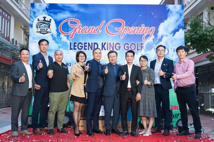 Tập thể lãnh đạo và khách hàng thân thiết của SG golf Hàn Quốc