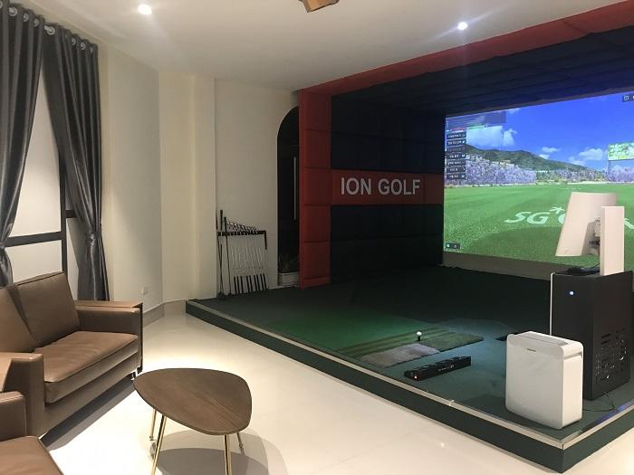 Phòng golf 3D tạo sự riêng tư, thoải mái.