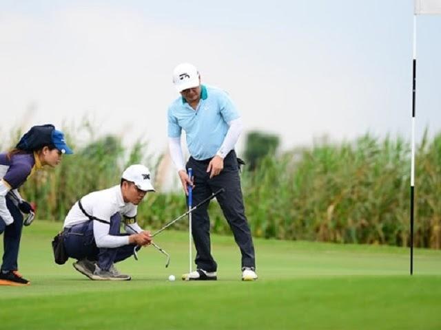 Tư thế đúng khi tập Putt golf