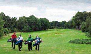 Nên tập golf bao lâu thì ra sân được?