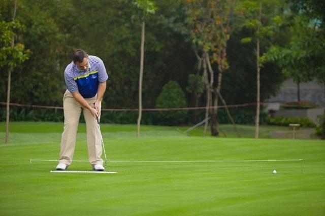 Các lưu ý để gạt bóng golf có hiệu quả tốt nhất
