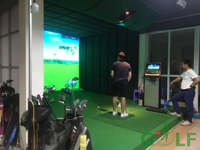 Dữ liệu phần mềm hỗ trợ ban đầu lên tới hơn 90 sân golf nổi tiếng trên thế giới