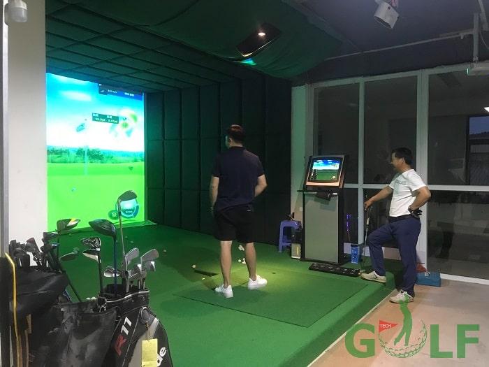 Phần mềm Bravo Golf Simulator tạo cảm giác giống như trên sân thực